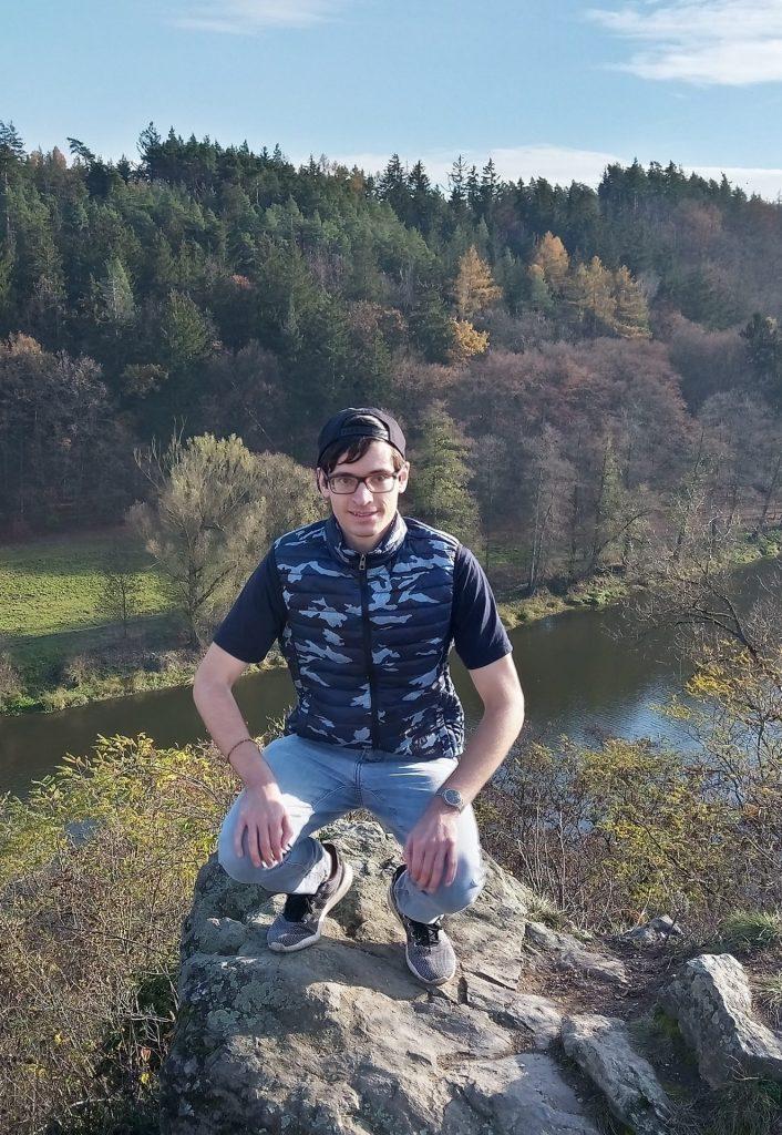 Rainer Wilka bei einem Ausflug am Fluss Berounka